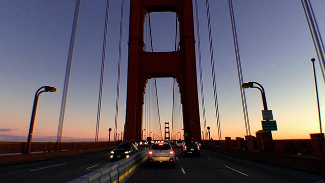 Golden Gate Bridge mit Linsenverzerrungsentfernung