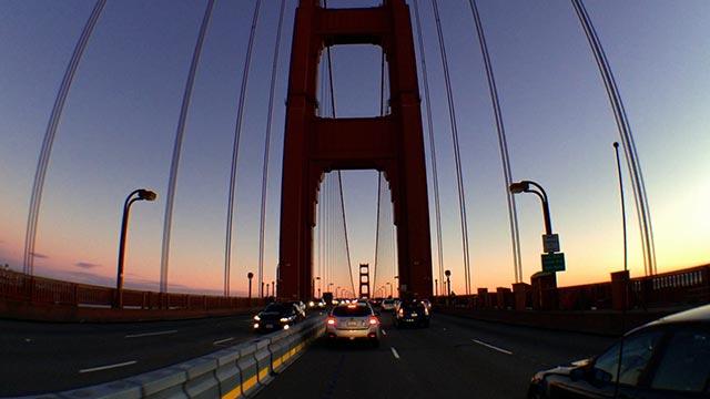 Golden Gate Bridgel mit Weitwinkel-Verzerrung